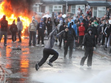 Petrol Bombs & Peace: Welcome To Belfast