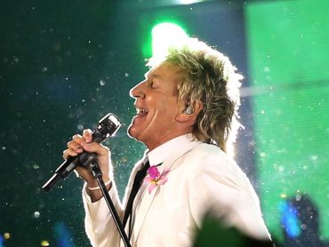 Behind the Music: Rod Stewart
