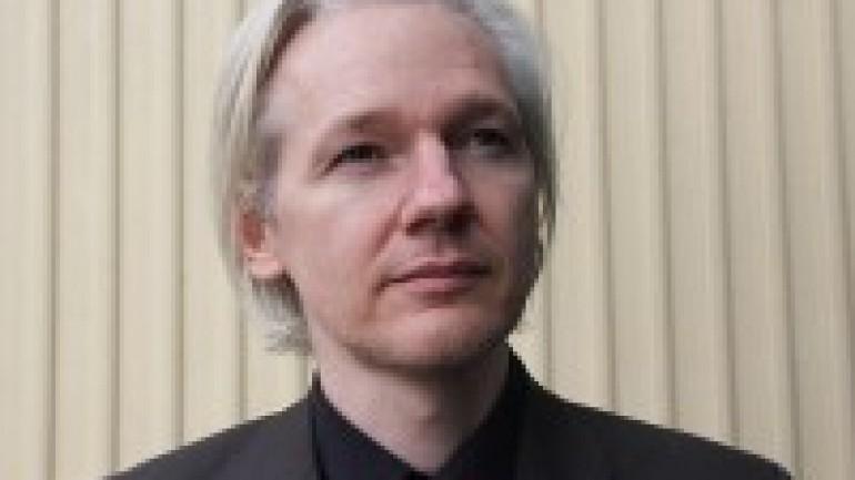 Frost over the World – Julian Assange