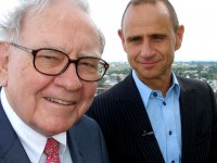 The World's Greatest Money Maker: Warren Buffett