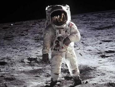 Nova To the Moon